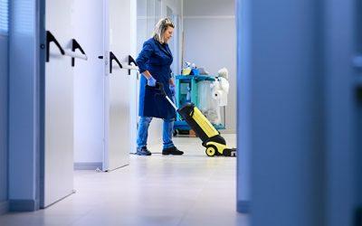 A terceirização de serviços, ou gestão de facilities, diminui os custos no condomínio?
